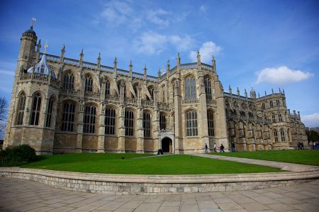 800px-St__Georges_Chapel,_Windsor_Castle_(1)